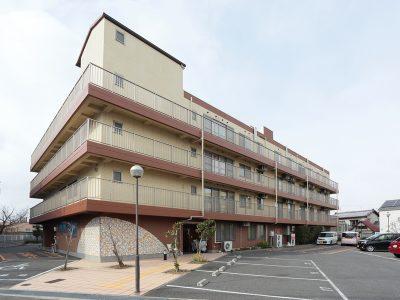 桜井駅から徒歩7分、国道171号線からもアクセス抜群。