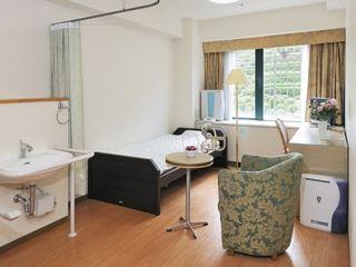 Aタイプ居室 お一人様でのご入居にちょうど良い広さの介護居室です。介護ベッドを置いても広々。