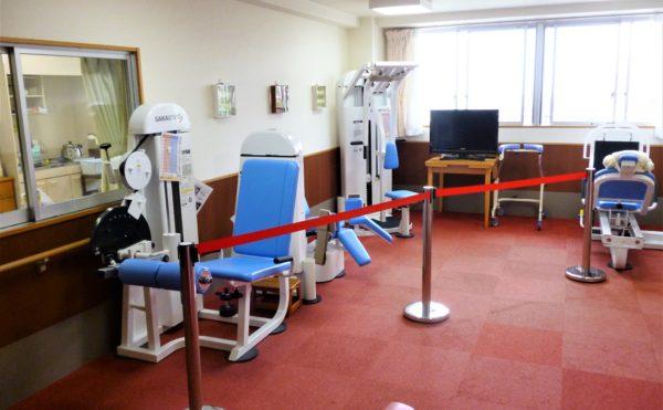 SC-Fitとは、CGT(包括的高齢者運動トレーニング)とチェアリズム(椅子体操、タオル体操)によるスーパー・コート独自のトレーニング方法です。