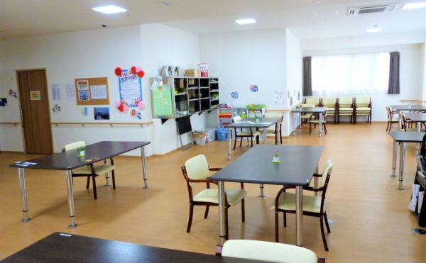 各階に広々とした食堂を完備しております。お食事や季節毎のレクリエーションなど楽しい時間を過ごしていただけます。