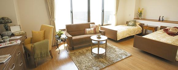 ご夫婦での暮らしをご希望される方や、広めのお部屋をご希望される方のためにご用意しています。浴室やミニキッチンも備えた、ゆったり快適な空間です。