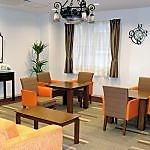 ご家族様がご来訪の際は、こちらのスペースでゆっくりとお茶の時間などお楽しみください。