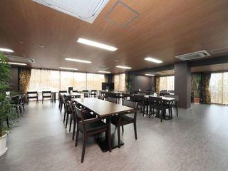 明るく、清潔感のある食堂は大きな窓に面した一角にあり、気持ちのいい空間です。