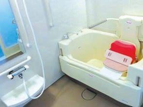 お身体の状態に合わせて入浴できる設備がございます。