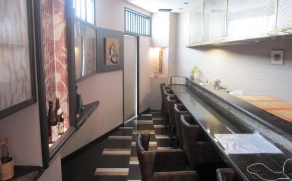 ご家族、ご友人とプライベートにご利用頂ける、味処 桃源郷。四季折々の食材を月替わりメニューでお楽しみ頂きます。