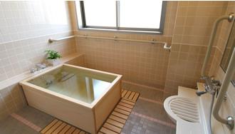 1階~4階の全てのユニットに檜の個浴があります。